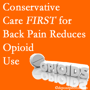 Cross Chiropractic Center delivers chiropractic treatment as an option to opioids for back pain relief.